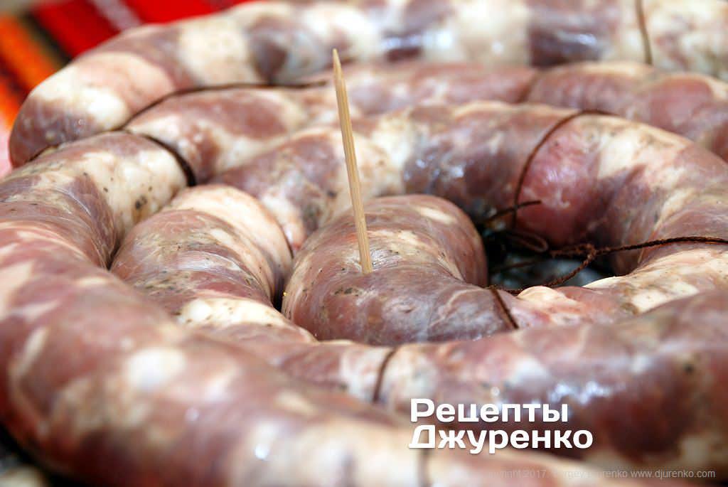 Как сделать колбасу дома в кишках 6
