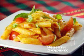 Фото к рецепту: паста с помидорами