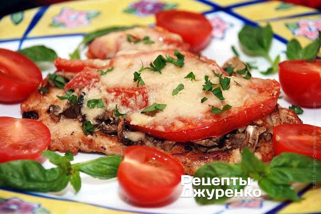 Свиные отбивные в духовке с сыром и помидорами и луком — pic 9