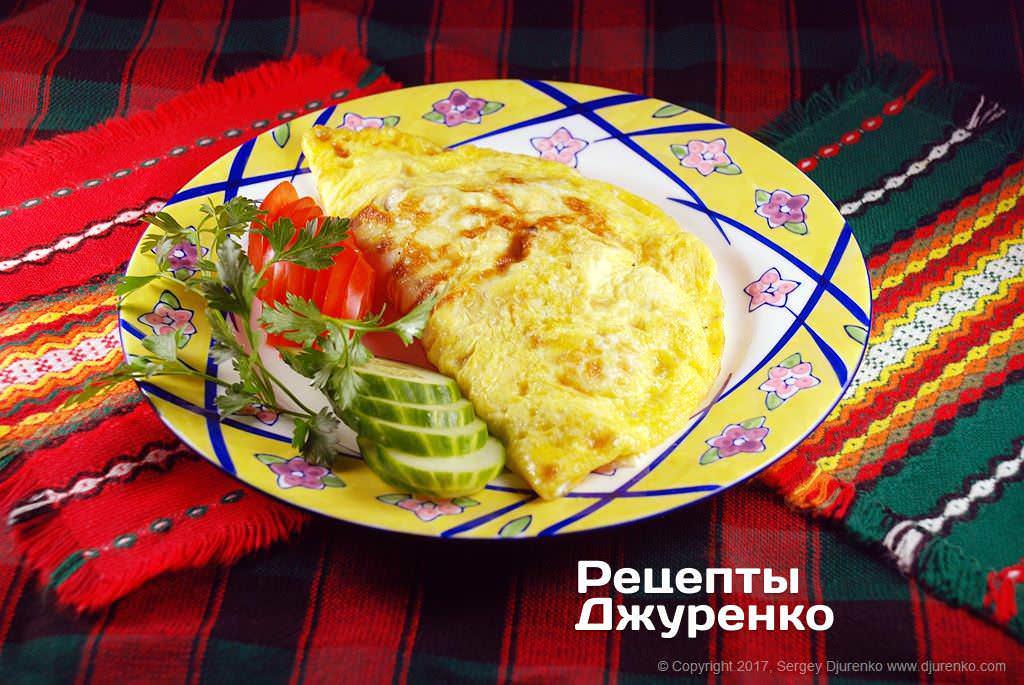 Фото готового рецепта омлет с начинкой в домашних условиях