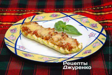Фото к рецепту: кабачки фаршированные овощами