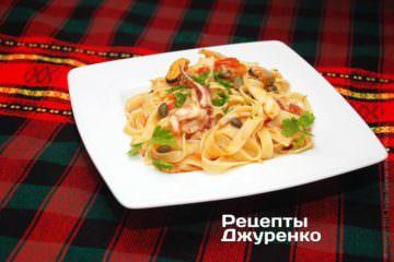 Фото к рецепту: лапша c морепродуктами