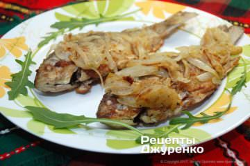 Фото рецепта караси жареные с луком