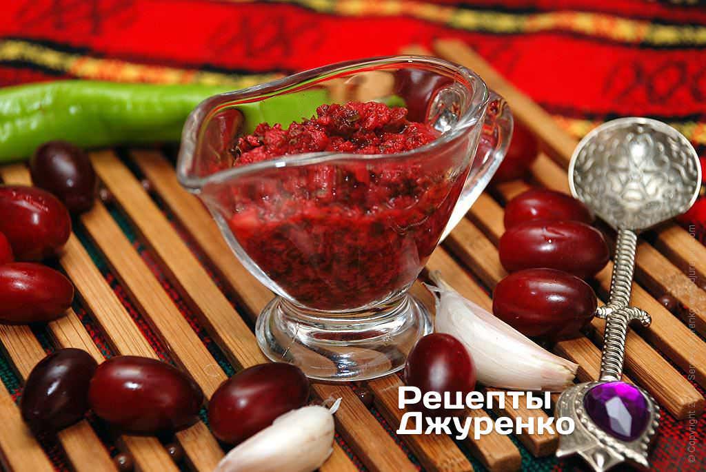 Фото готового рецепту соус з кизилу в домашніх умовах