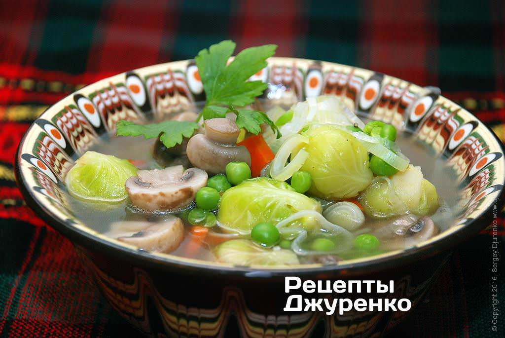Фото готового рецепта суп с шампиньонами в домашних условиях
