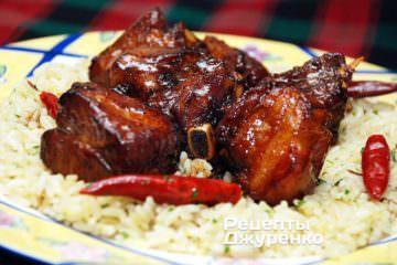 Свинина з гострим рисом