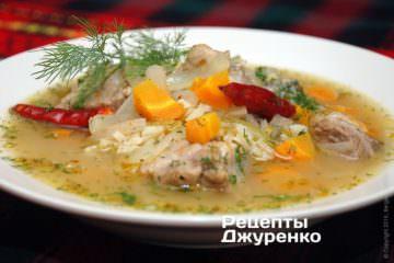 Разлить суп по тарелкам