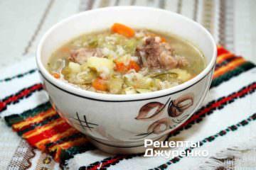 рассольник, квашеные огурцы, суп с рассолом