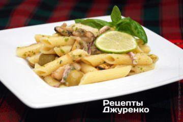 Фото до рецепту: макарони з морепродуктами