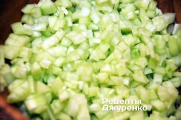 нарізати огірки