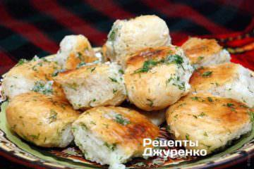 Фото до рецепту: пампушки з часником