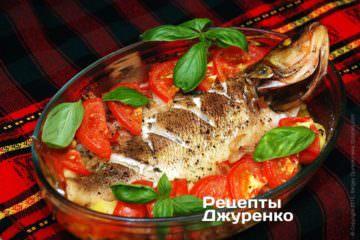 Фото к рецепту: окунь в духовке запеченный