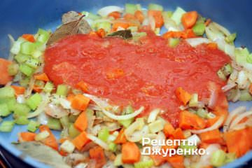 Добавить в суп пюре из помидоров