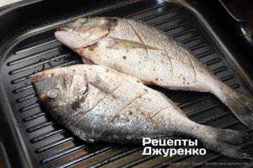 смажити рибу на грилі