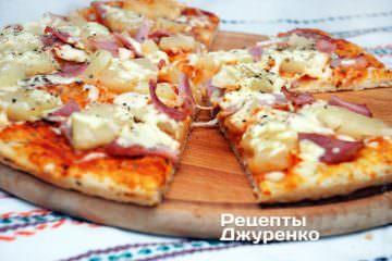 пицца с ананасом и ветчином