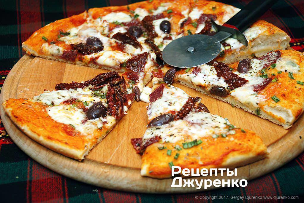 піца з ковбасою і сиром фото рецепту