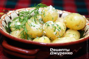 Аккуратно смешать картофель и добавки