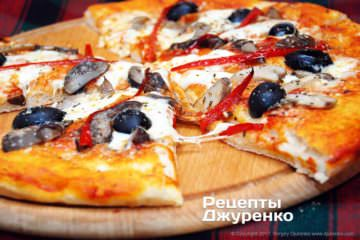Фото к рецепту: грибная пицца