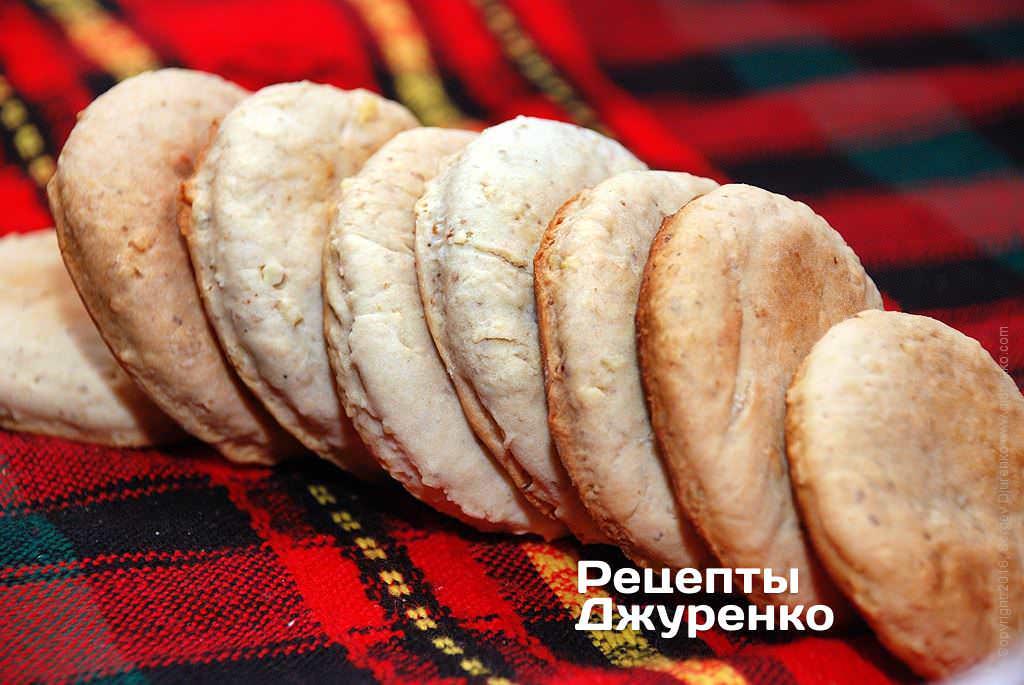Фото готового рецепту мигдальне печиво в домашніх умовах