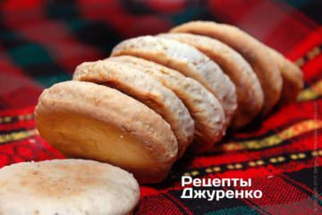 печиво повинно охолонути
