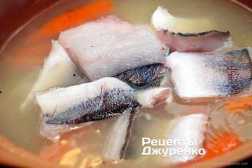 покласти в суп рибу