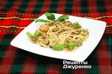 Спагетті з мідіями
