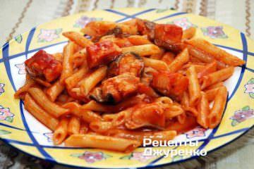 рыба в томате, рыба в томатном соусе, томатный соус, кильки в томате