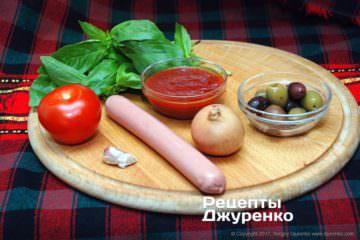 Ингредиенты для пиццы с сосисками