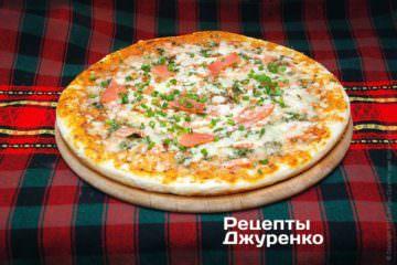 Фото до рецепту: піца з лососем