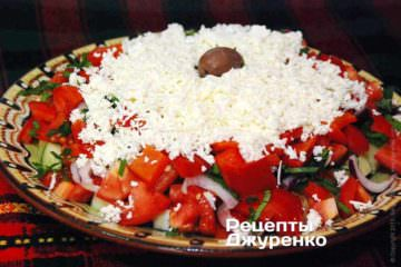 Шопский салат с печеным перцем