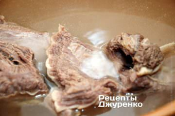 Зварити наваристий бульйон з м'яса