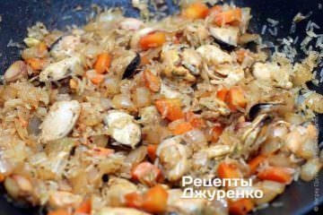 Обжарить рис