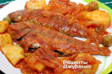Фото до рецепту: риба з томатами — барабулька в томатному соусі