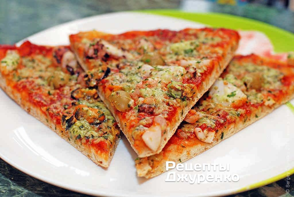 Фото готового рецепту піца морський коктейль в домашніх умовах