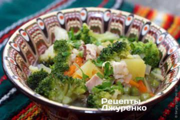 Фото рецепта суп с брокколи на курином бульоне