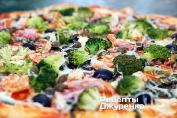 Фото до рецепту: піца з креветками і броколі