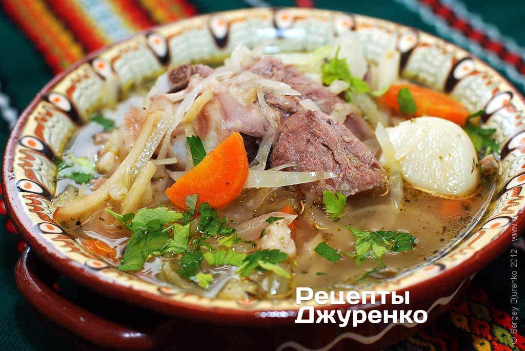 Суп з капустою на бульйоні з м'яса індички
