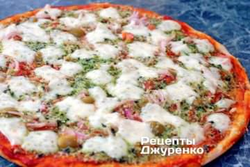 Фото к рецепту: пицца с моцареллой