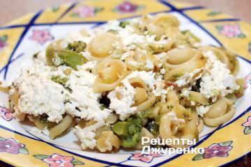 Фото рецепта макароны запеченные с сыром (брынзой)