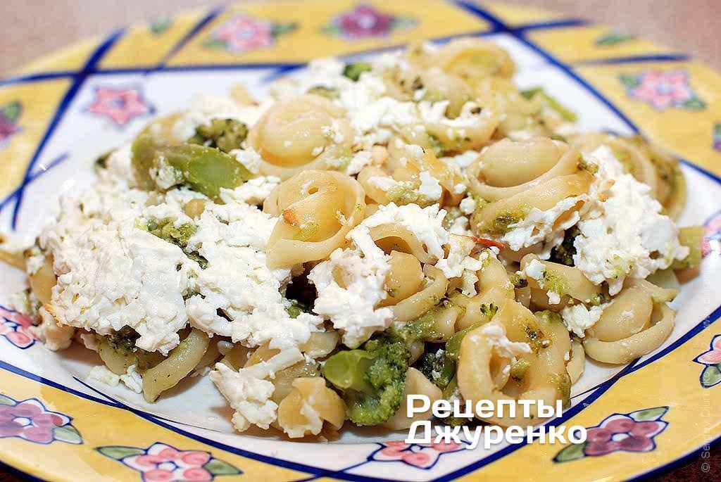 Фото готового рецепту макарони запечені з сиром в домашніх умовах