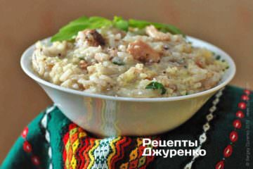 Рис с рыбными консервами