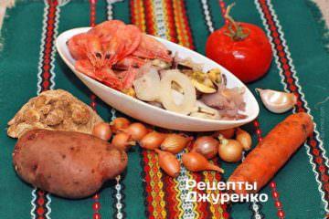 Інгредієнти: морепродукти, креветки, помідор, часник, морква, картопля, селера, зелений горошок, петрушка, базилік, вершки, вермішель, спеції