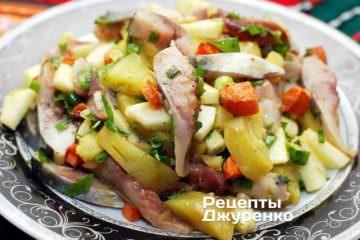 Салат из селедки с печеным картофелем