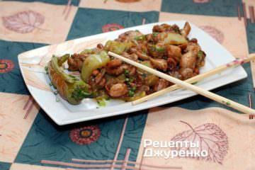 Фото рецепта курица в соевом соусе с арахисом