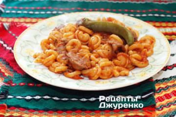 Фото рецепта курячі потрошки в соусі з пастою