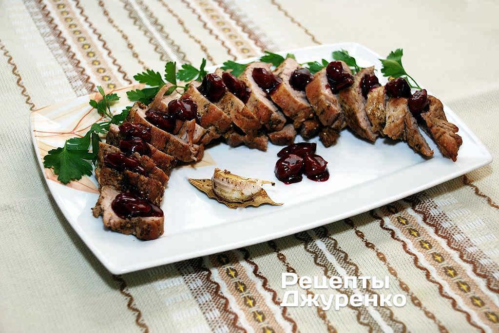 Фото готового рецепта свиная вырезка в домашних условиях