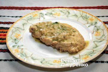 Готовое филе выложить на тарелку и подавать к столу