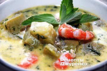 Сырный суп с кабачками и креветками