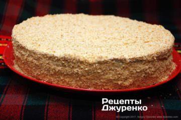 обсыпать торт крошками