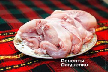 Нарізка м'яса кролика для запікання